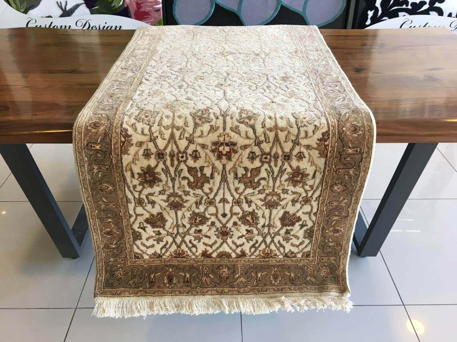 ANTİK İPEKLİ UŞAK HALISI YOLLUK 78X400 Antik İpekli El Dokuma Halı